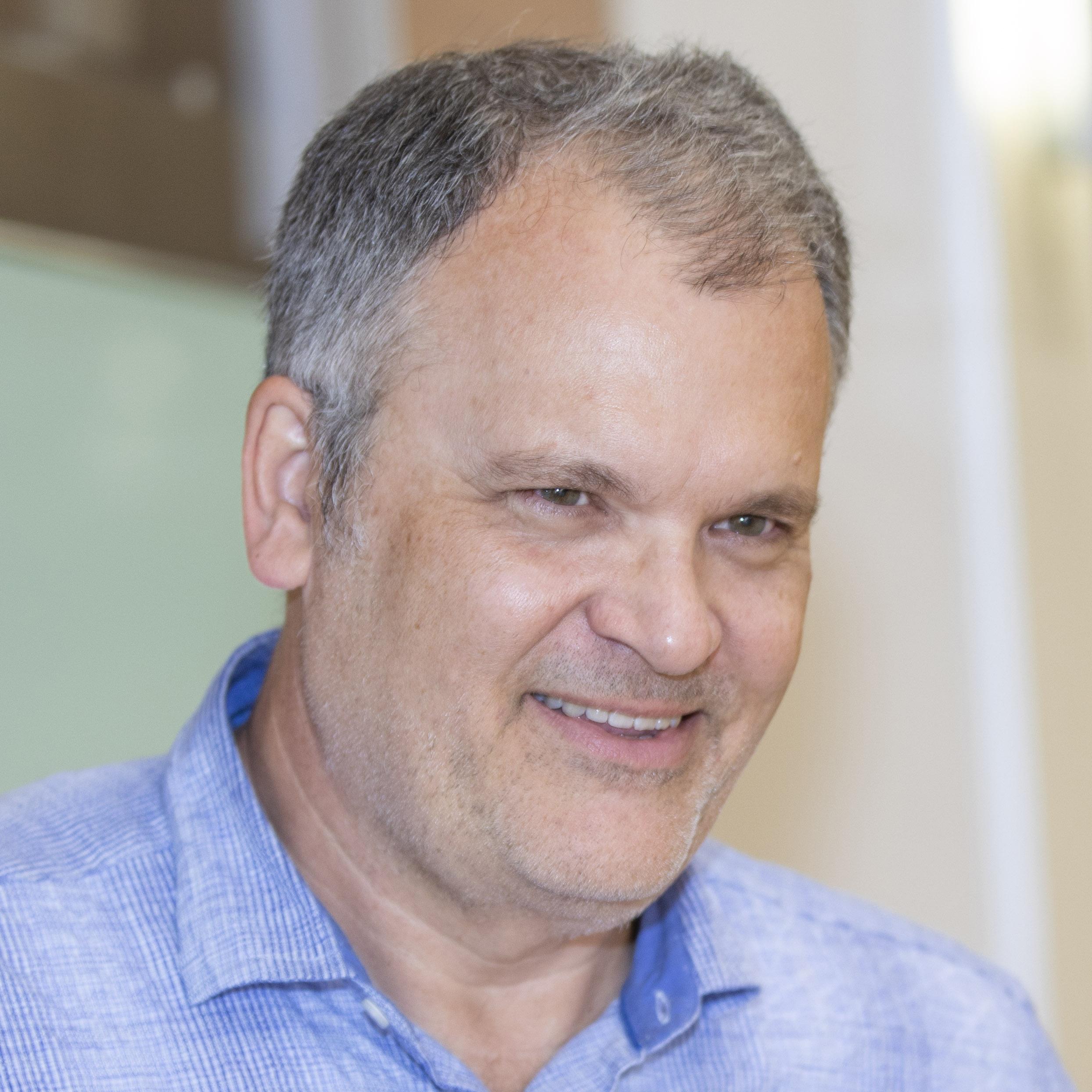 Richard Lewis Profile Photo